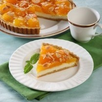 APRIKOT AND CREAM CHEESE PIE http://www.sajiansedap.com/mobile/detail/13740/aprikot-and-cream-cheese-pie