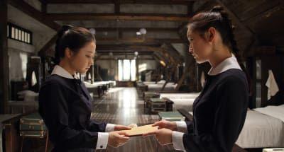 The Silenced / 경성학교: 사라진 소녀들! Es una película súper espeluznante, mezcla de terror/histórica/ciencia ficción ambientada en Corea en la década de 1930. ¡Y visualmente es impactante!—zeniablue