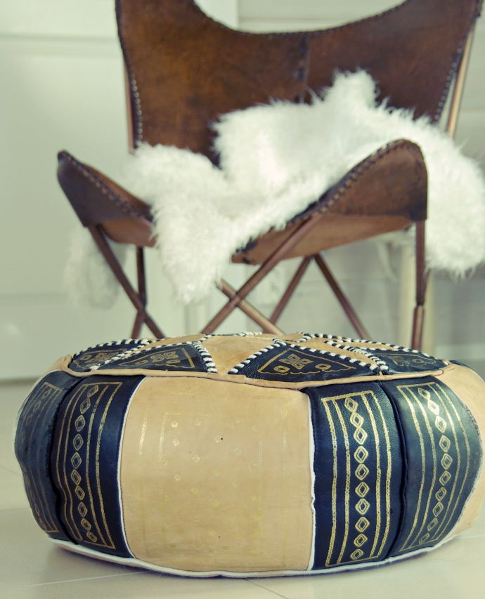 Tarja's Snowland / moroccan pouf and leather butterfly chair