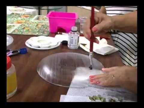 20120427 DECOUPAGE NO PRATO DE VIDRO COM CRAQUELE 1 impermeabilizar com vidro líquido