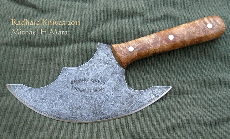 Custom handmade knives and high performance cutlery for hunters, collectors, and chefs