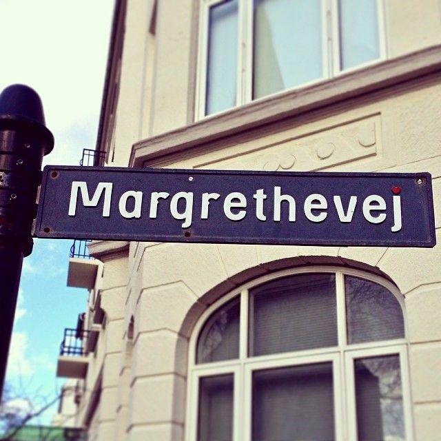 Margrethevej, COPENHAGEN / Hellerup [By Knud V. Engelhardt - notice the red heart] #copenhagentype #cphtype #kbhskrift #sharingcph #delditkbh #type #typedesign #typo #typediscovery #signs #signage #streetsign #wayfinding #engelhardt #knudvengelhardt #gentofteskriften #oldsign #vintagesign #danishtypedesign #hellerup