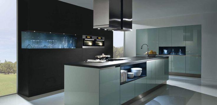 modernes Kochen mit Haecker-Küchen von Höffner    wwwhoeffner - küche ohne griffe