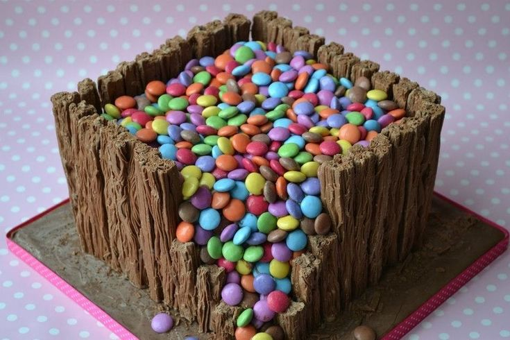 Smartie cake but this time with flakes on the outside. Yum!