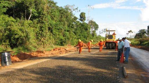 Construcción de carreteras, calles y dotar de agua potable se priorizó en obras por impuestos #Gestion