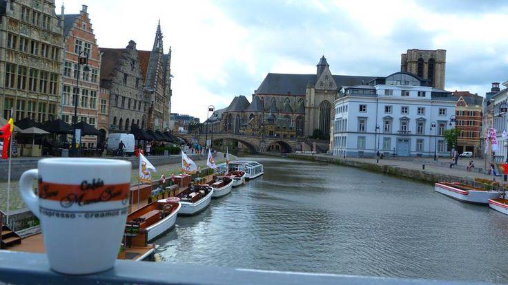 La taza viajera se encuentra en…#Gante, ciudad belga, ideal para pasear por su centro urbano medieval y disfrutar de su interesante red de canales. Si todavía no sabéis que hacer este puente, podría ser un destino perfecto.  #tazaviajera