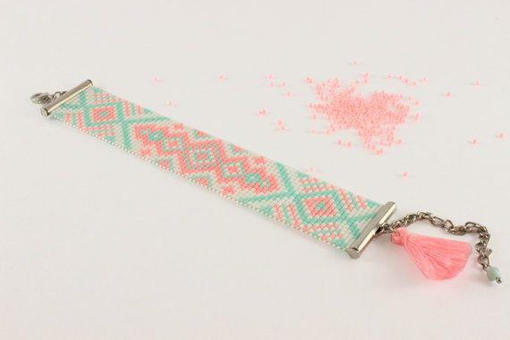 Métier à tisser Bracelet - cadeaux de Noël pour la mère, maman, grands-mères, femmes, adolescents, copines, les meilleures amies de perles (modèle : Mr019)