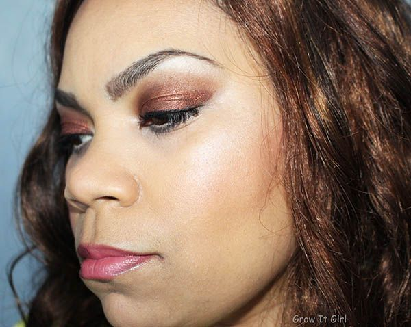 An easy New Year's Eve makeup look using products from the Faerie Mirabella makeup line. A great Beauty Council collaboration. Read more...