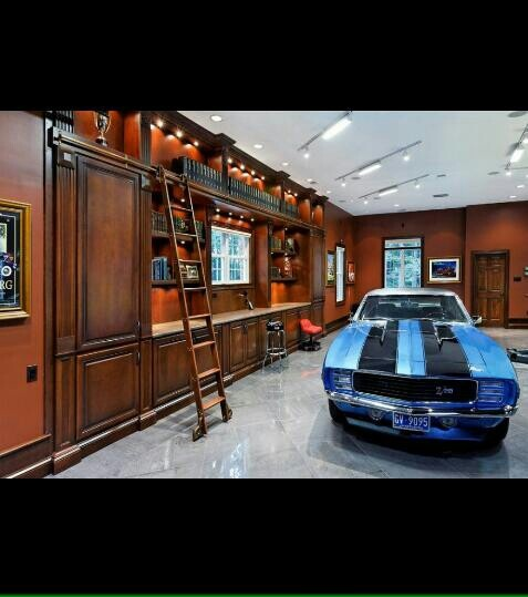 25 Best Ideas About Dream Garage On Pinterest: 40 Best Man Caves Images On Pinterest