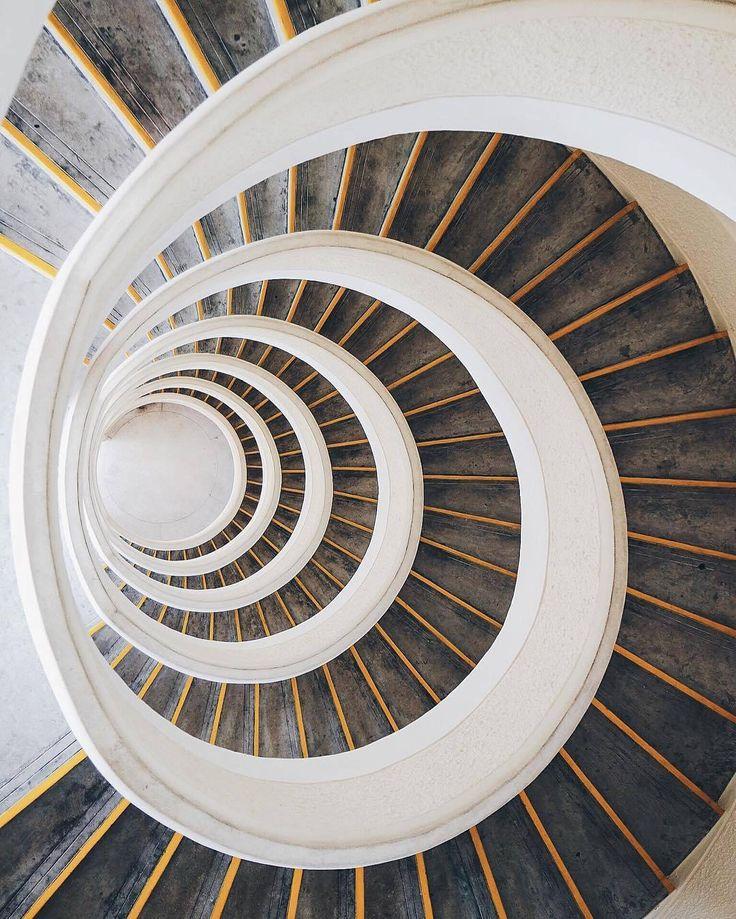 74c858b74dad6dcf58d0f5963a9ef97a--stairs-tag.jpg