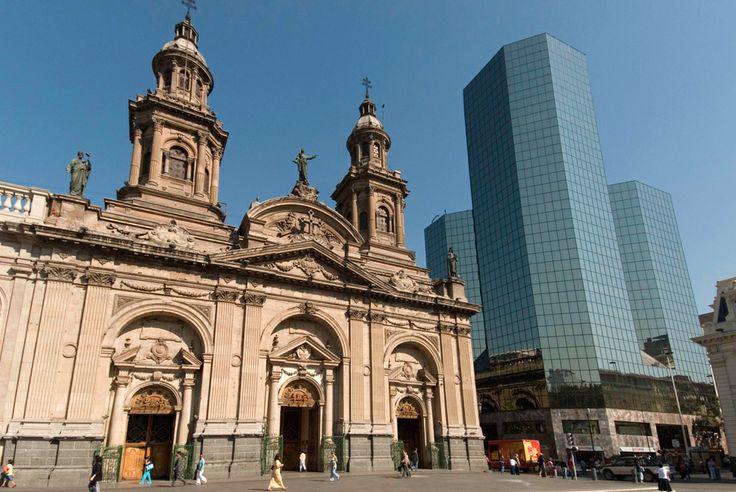 Santiago del Chile. Catedral Metropolitana in Plaza de Armas. © Roberto Soncin Gerometta 2007