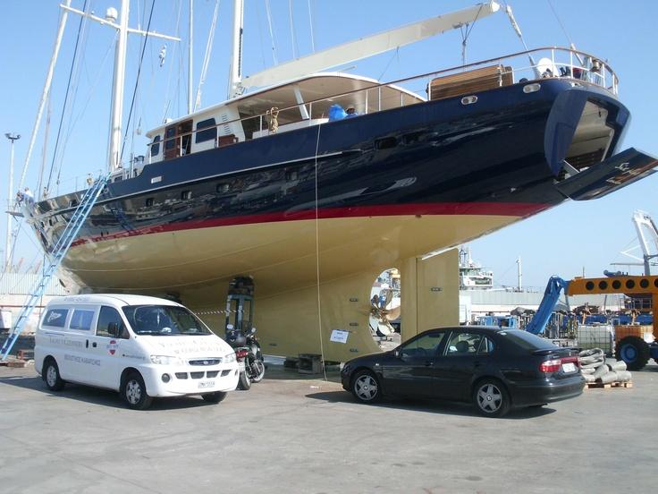 www.yachtscleaners.gr   Για καθαρισμούς σκαφών αναψυχής.  Απόλυτη καθαριότητα από επαγγελματίες  210.9640510