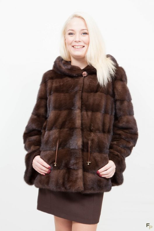 10 best vestes en fourrure images on pinterest furs fur. Black Bedroom Furniture Sets. Home Design Ideas