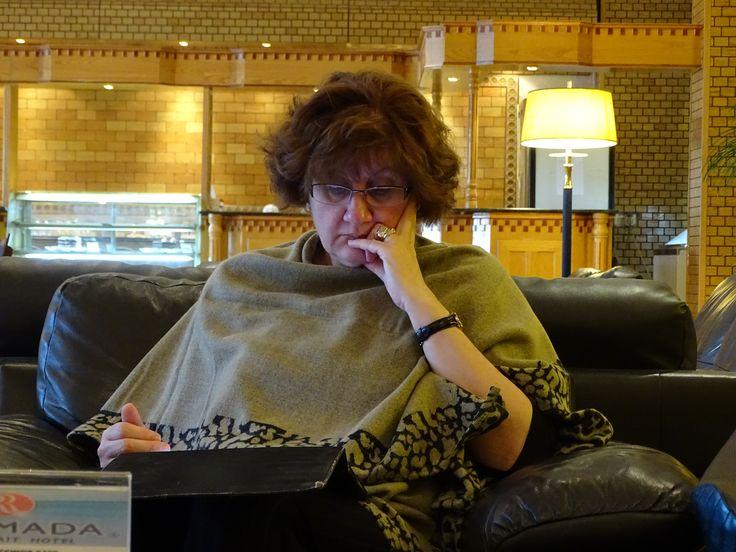 Dr Jasmina Kozarev bila je specijalni predavac na temu upotrebe lasera u estetici i dermatologiji, Kuvajt, 2015/ Dr Jasmina Kozarev was special educator on applying lasers in dermatology and aesthetics, Kuwait, 2015