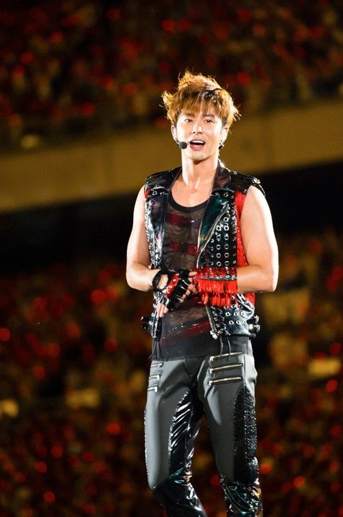 TVXQ wows 144,000 fans for two nights at Nissan Stadium | allkpop.com