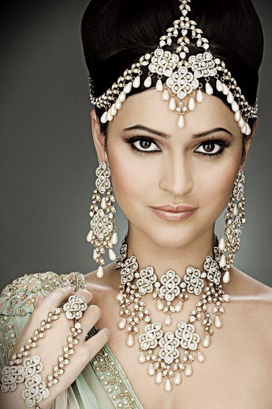 As joias, sim são joias da noiva indiana  HestiloH