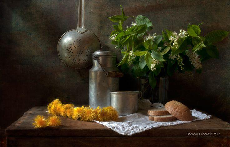 #весна #жёлтый #натюрморт #одуванчики #хлеб #черёмуха Author: Eleonora Grigorjeva