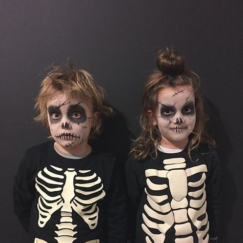 Quatang Gallery- Easy Kids Skeleton Makeup For Halloween Trick Or Treating Halloween Makeup For Kids Halloween Skeletons Kids Makeup