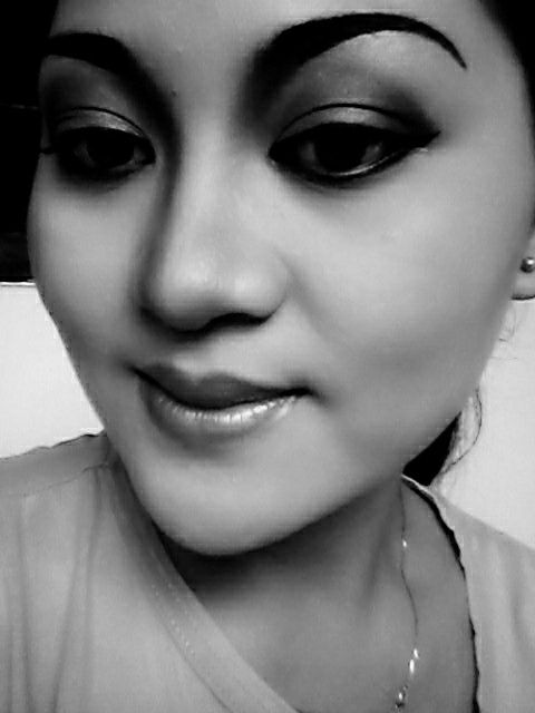 make up , black n white