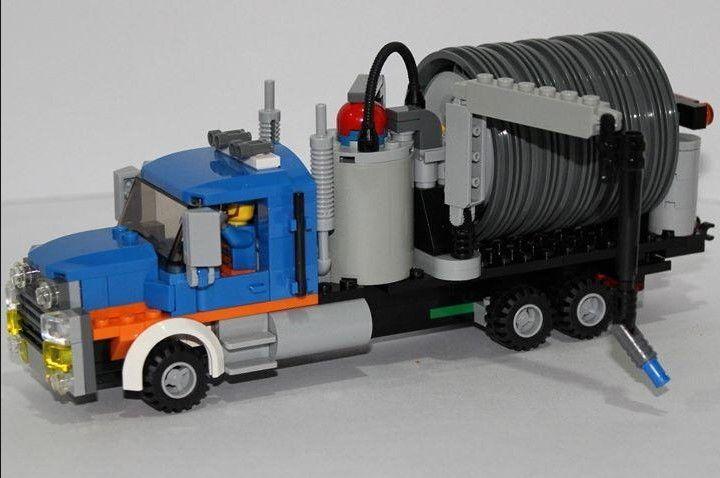 "487 Likes, 18 Comments - Peter (@pfairhead_lego) on Instagram: ""Revised the vacuum truck... thoughts? #Lego #LegoMoc #LegoCreator #LegoCity #LegoModular…"""