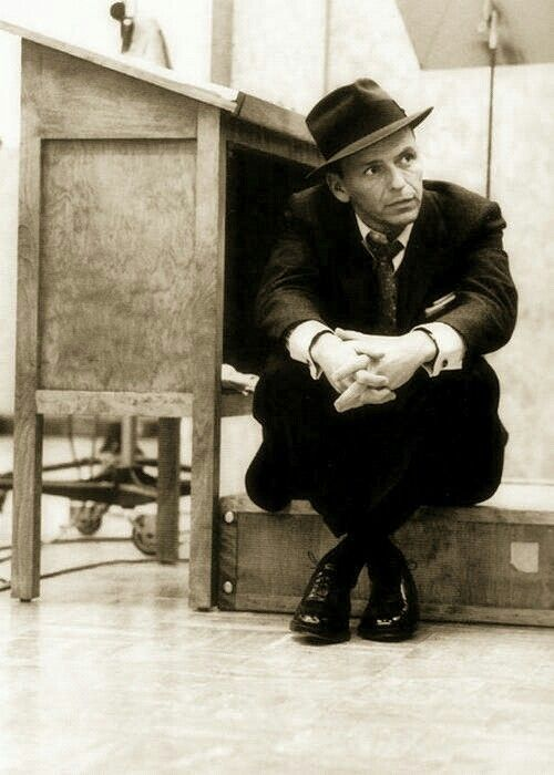 Frank Sinatra. Now this guy could S I N G