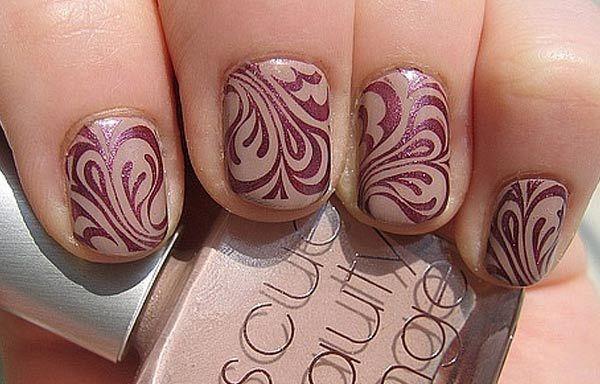 Uñas decoradas color marrón, uñas decoradas color marron y dibujos.   #uñas #colornailart #tonosdeuñas
