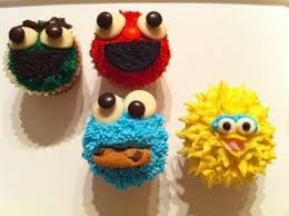 ELMO'S WORLD cupcakes