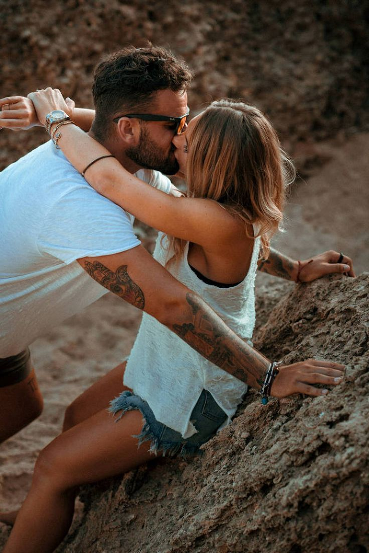 Fashion for couple photo shoot. Photos of couples on the beach. Couples with tattoos. Original wedding photos – tendência Pins – #Wedding #with #couple #D …