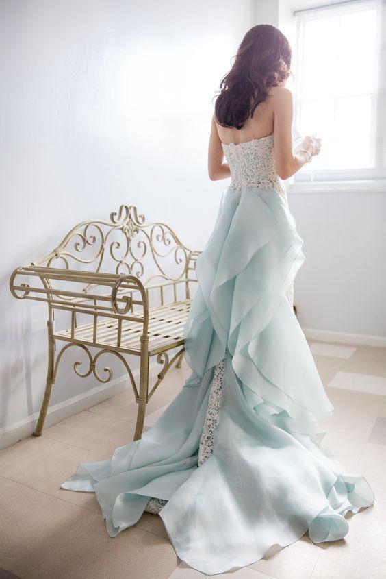 Pale Blue Oscar de la Renta gown with train / http://www.himisspuff.com/blue-wedding-dresses/5/