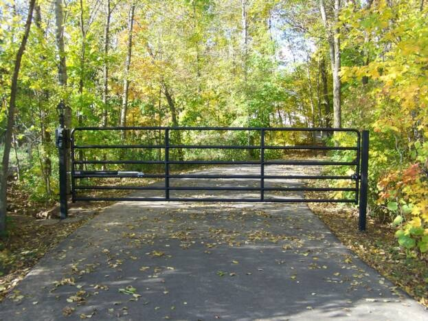 185 best images about gravel driveways and driveway gates for Motorized gates for driveways