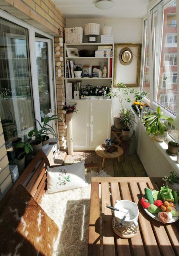 Oszklony balkon - bezpieczny dla kota.