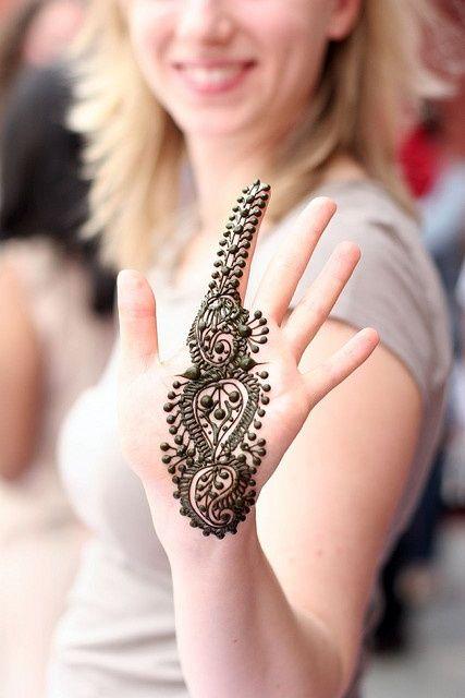 10 Best Back Hand Mehndi Designs