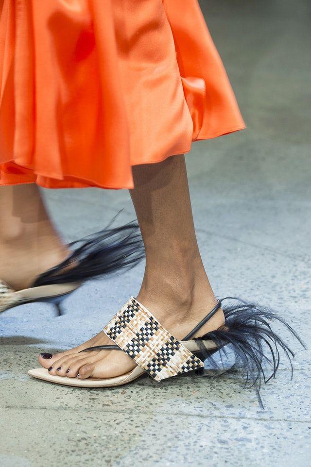 171ab3b465d Yep, Flip Flops Are 2019's It-Shoe — Here's How To Wear Them in 2019 ...