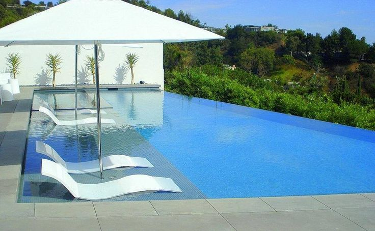 Um espaço para relaxar e se refrescar! #relax #piscina