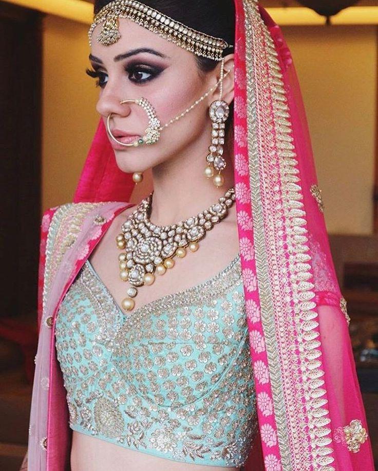 Perfect summer bride look! #trendingjewellery #noserings #indianbride #indianwedding #shaadisaga