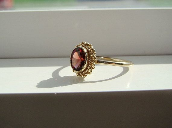 Antiguo anillo granate Vintage estilo eduardiano por PenelliBelle