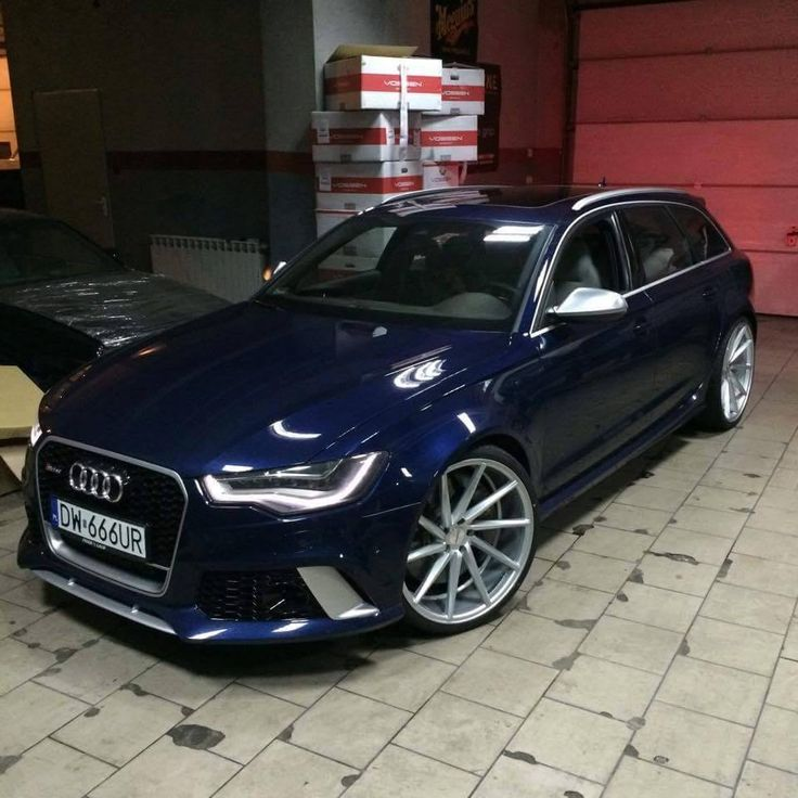 Audi RS6 Avant on Vossen CVT's