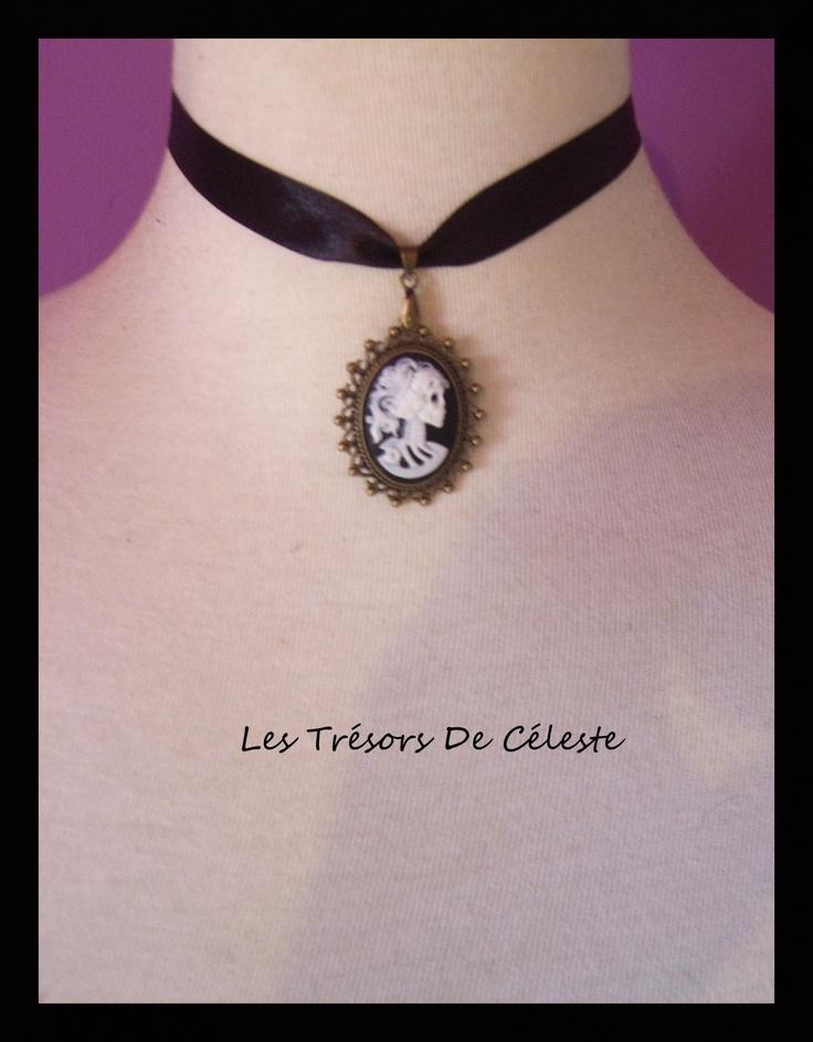 collier ras de cou gothique romantique camée squelette
