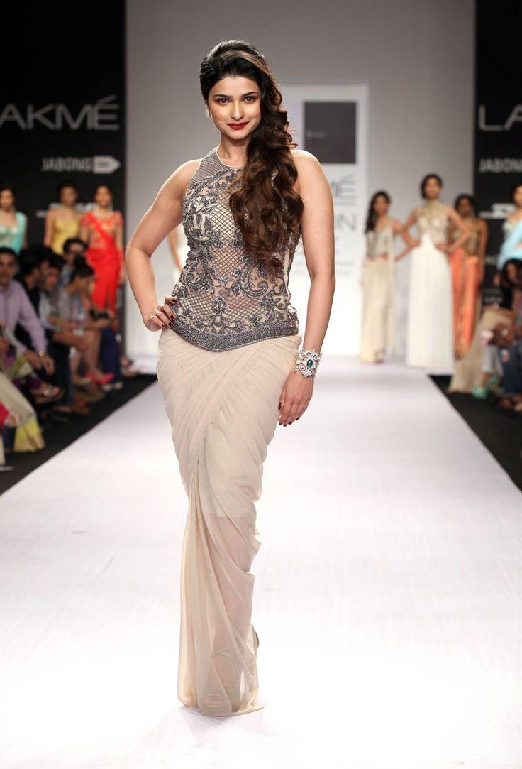 92 Best Bollywood Glitz Glam Images On Pinterest Sonam Kapoor Indian Bridal And Indian Weddings