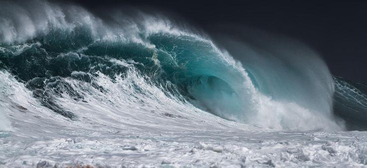 """""""Mas, se alguém tem falta de sabedoria, peça a Deus, e ele a dará porque é generoso e dá com bondade a todos. Porém peçam com fé e não duvidem de modo nenhum, pois quem duvida é como as ondas do mar, que o vento leva de um lado para o outro."""" (Tiago 1:5-6)"""