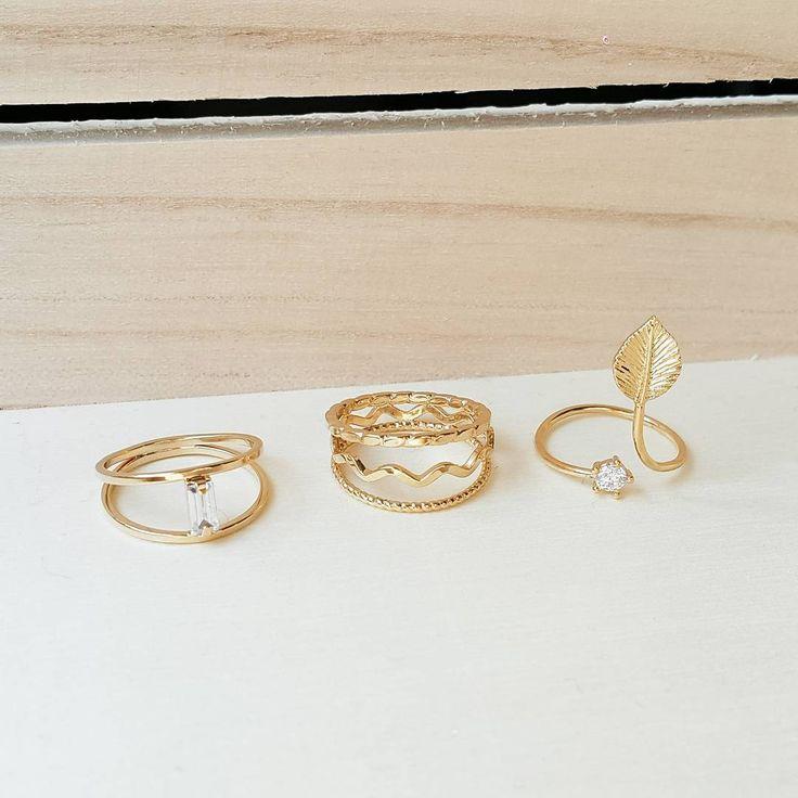 Get those midi rings on Luna Pyxis! What's your favorite?  Retrouvez ces bagues sur Luna Pyxis! . Quelle est votre préférée?  #lunapyxis #bagues #rings #bague #ring #fblogger