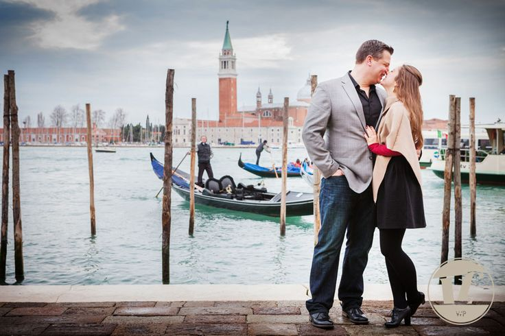 AND SHE SAID YES! A WEDDING PROPOSAL IN VENICE  #Venice #surprise #proposal #engagement #photoshoot #Winter