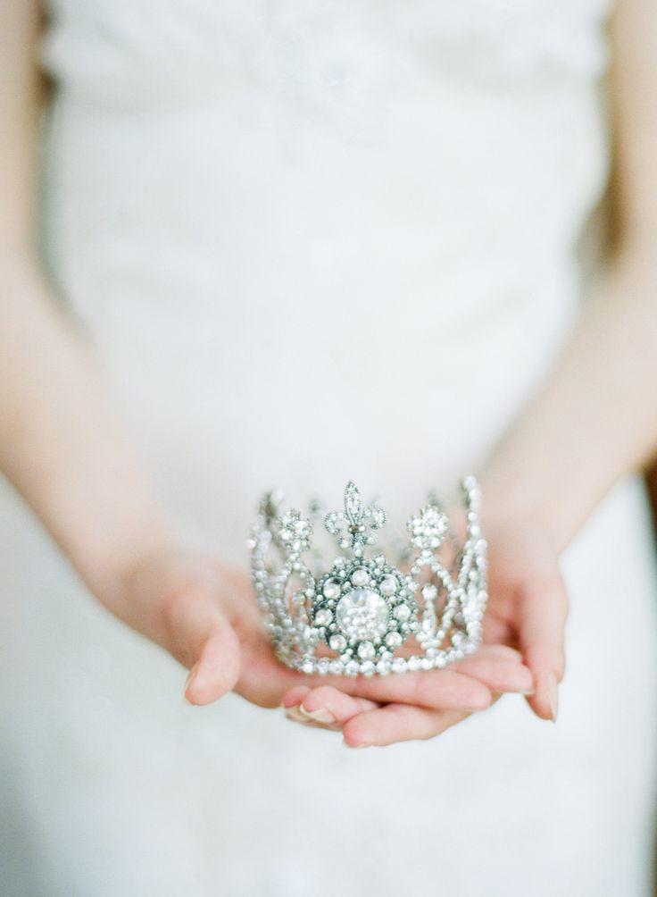 Crown Photography: Sylvie Gil - www.sylviegilphotography.com/workshop/
