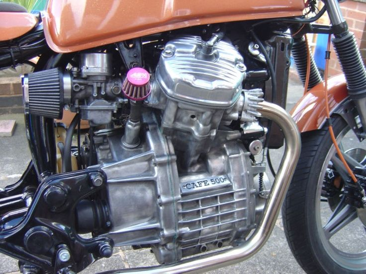 Small crank case filter.....1980 Honda CX500 Cafe Racer by Ray, Tipton