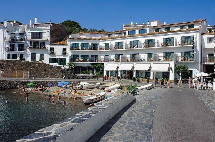 mejores hoteles de playa espana playasol cadaques exterior