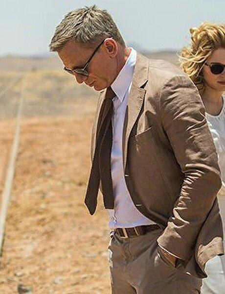 308cb1c54d20 Costume beige de Daniel Craig dans Spectre | Mariage Bj et Ann-So | Daniel  craig james bond, James bond suit, Bond suits