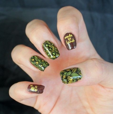 Jumper nails Stamping with Messy Mansion's plate. Base color Picture Polish Demeter.