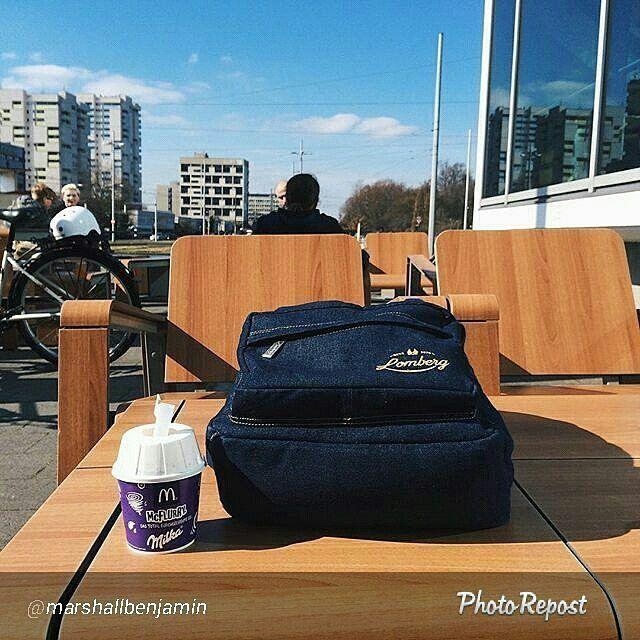 Foto Lomberg indigo backpack di Braunschweig Jerman by @marshallbenjamin  WhatsApp 08112655799  #foto #lombafoto #kontes #photocontest #photo #tas #denim #jeans #tascantik #dompetpensil #tascollourfull #taskain #tasmotiflucu #rangselanak #dompetunik #taslucu #tashandmade #rangsellucu #tasmurah #taskuliah #dompetetnik #tasjeans #craft #tasmotifbunga #tasunik #dompethandmade #taskanvas