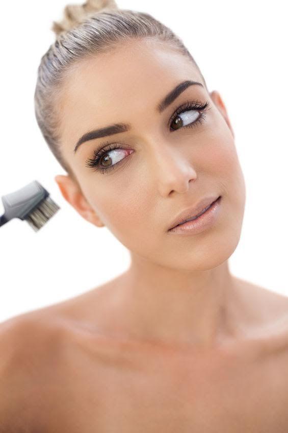 Restructuration, maquillage semi-permanent, rehaussement de cils, maquillage professionnel, fauteuils massant... Découvrez l'ensemble de nos prestations