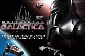 Battlestar Galactica Online Menneske eller maskine - hvilken side er du på? Menneskene flygter Cylonerne dominerer. Den succesfulde TV kultserie Battlestar Galactica når helt nye dimensioner i Battlestar Galactica Online!